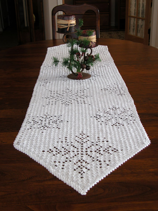 Cascading Snowflakes Table Runner