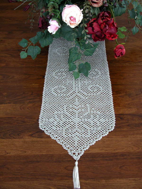 Diamond Medallion Table Runner