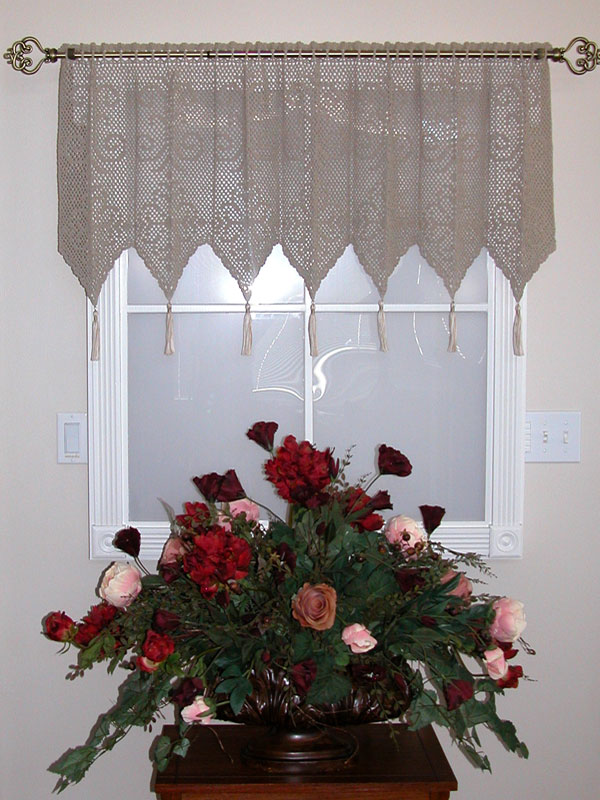Diamond Medallion Valance